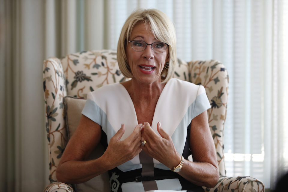 betsy devos - photo #9
