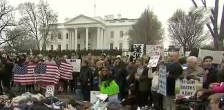 Students hold lie-in at White House on gun control 2-19-18