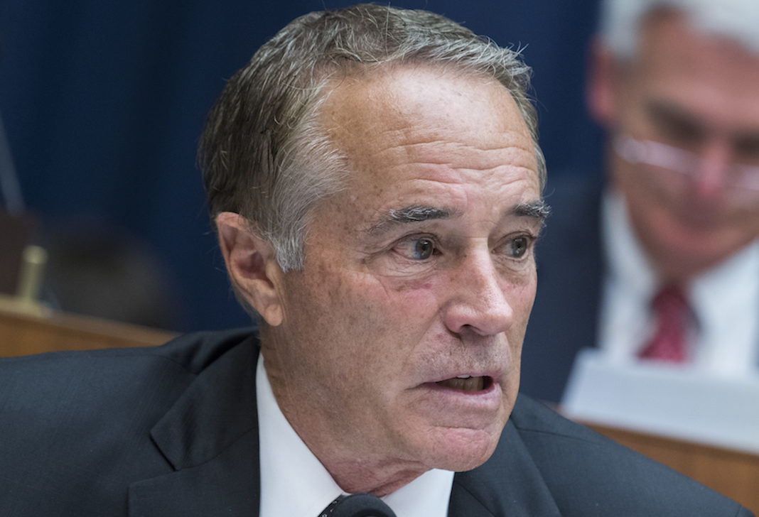 Chris Collins resigns.