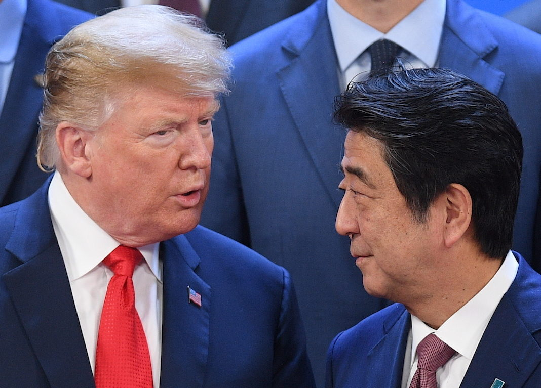 Trump talks to Japanese Prime Minister Shinzo Abe