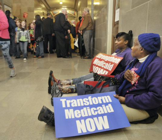 Missouri protesters demand Medicaid expansion, 2013