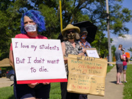 Protesters against reopening schools