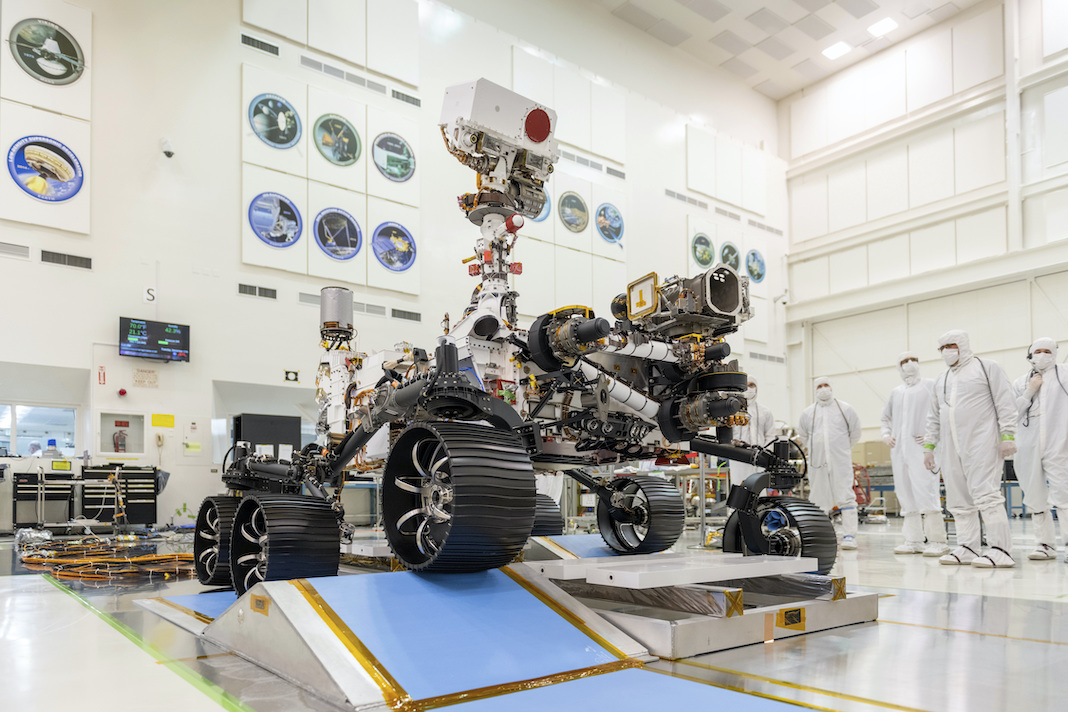 First test drive of Mars rover Perseverance